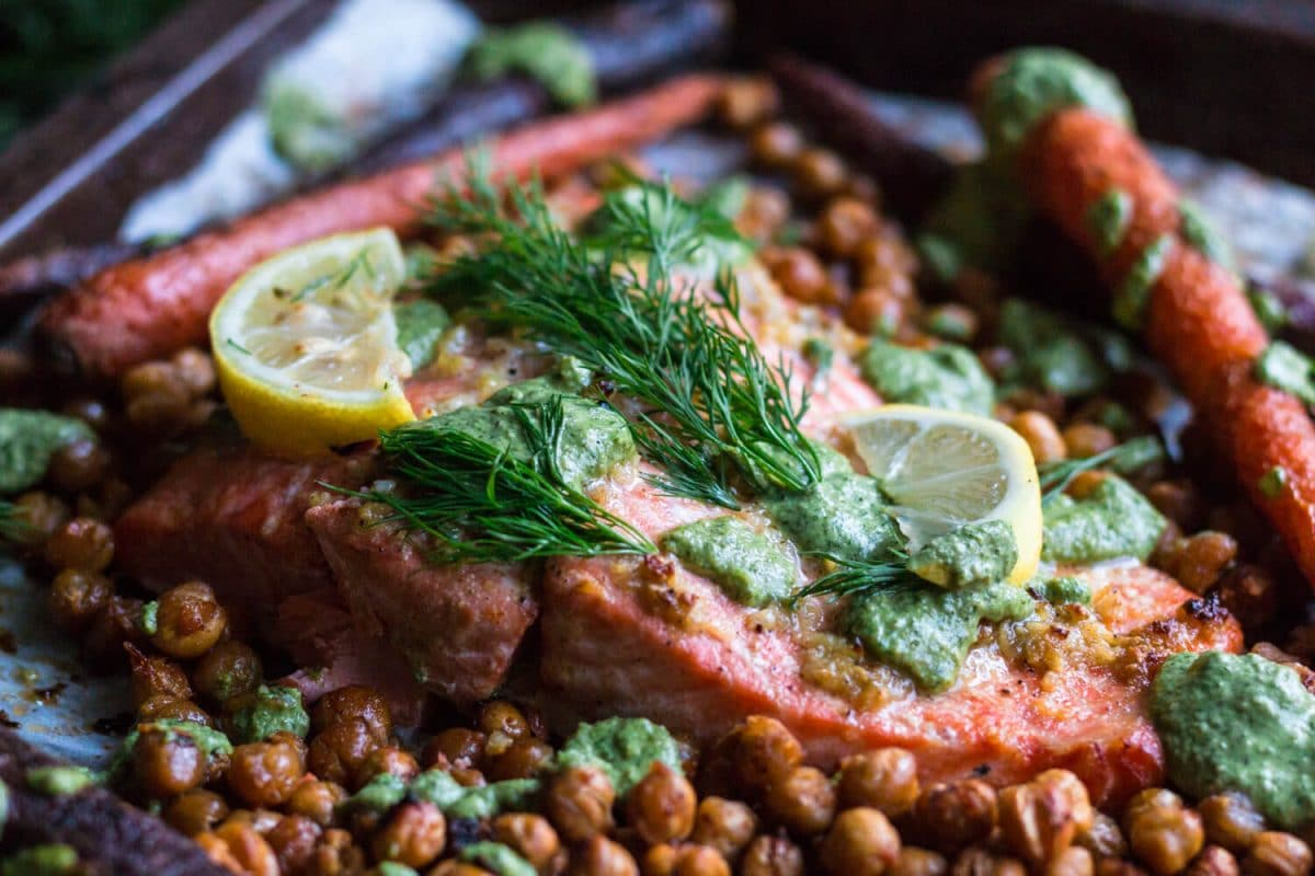 Baked Salmon with Chickpeas and Carrots