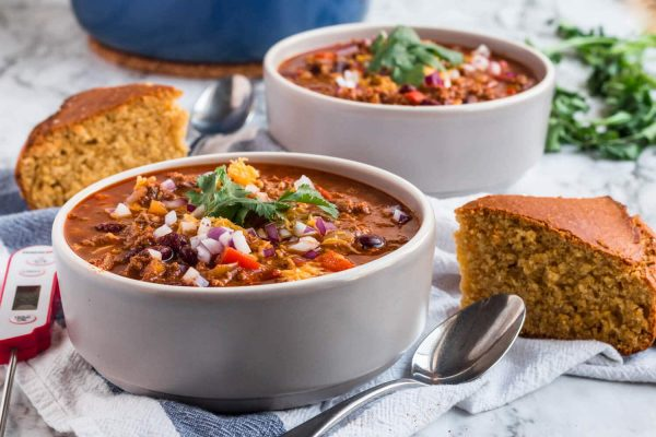 ThermoPro Recipe Easy Beef Chili with Homemade Cornbread