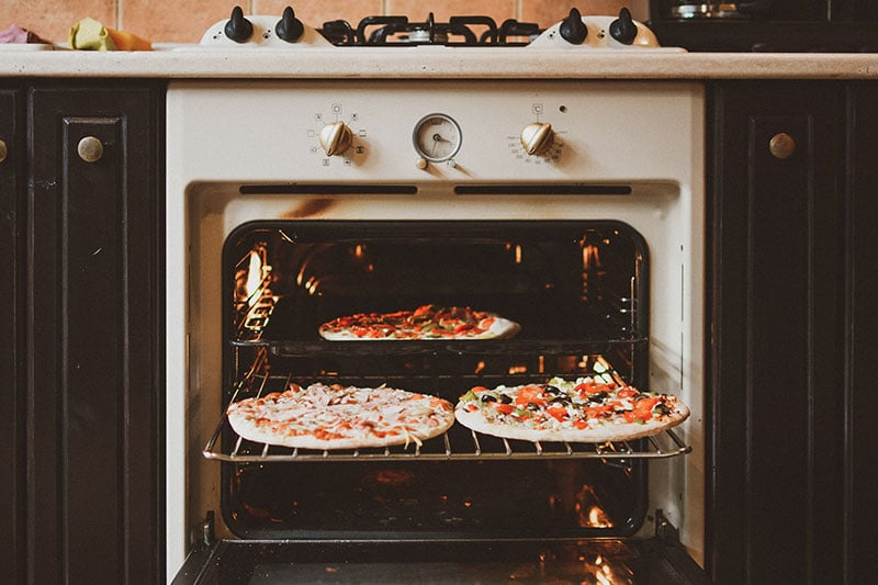 grill pizza on oven