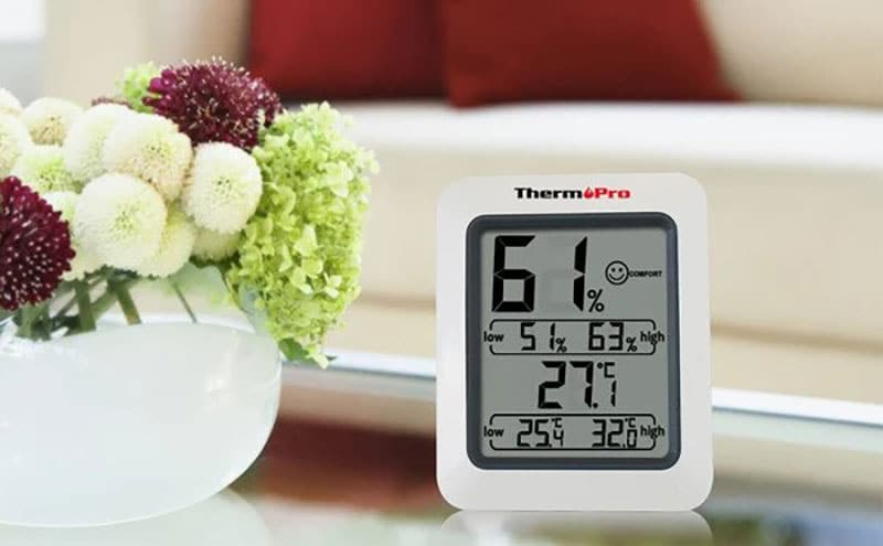 how to monitor basement humidity level