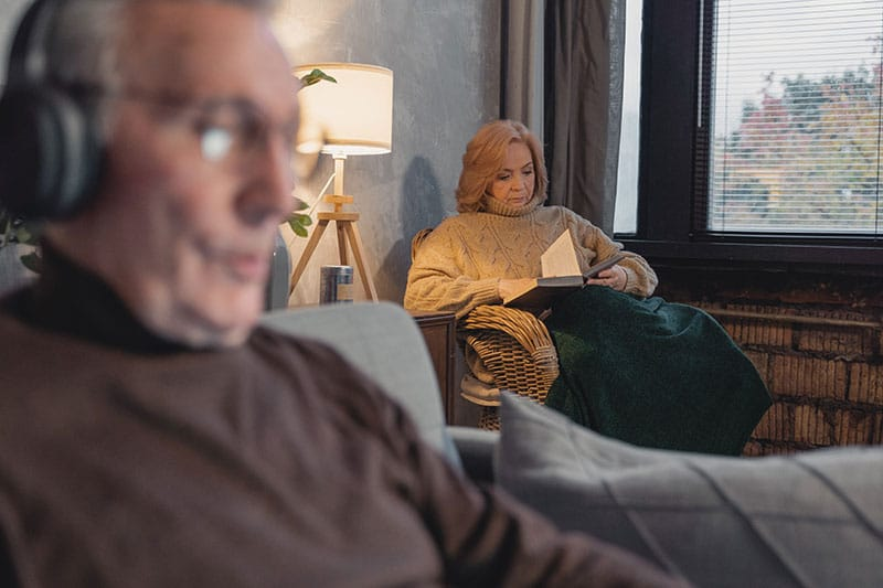 why elderly should stay warm