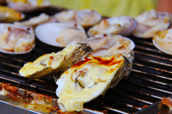 Oysters are the favorite seafood that is enjoyed by seafood connoisseurs around the world. Craving for some oysters for you and your family? Here's how you can cook your own spicy savory grilled oysters.